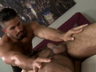 masseur hairy
